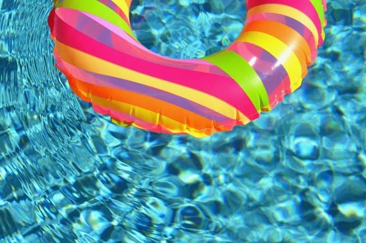 Comment nettoyer une piscine hors-sol?