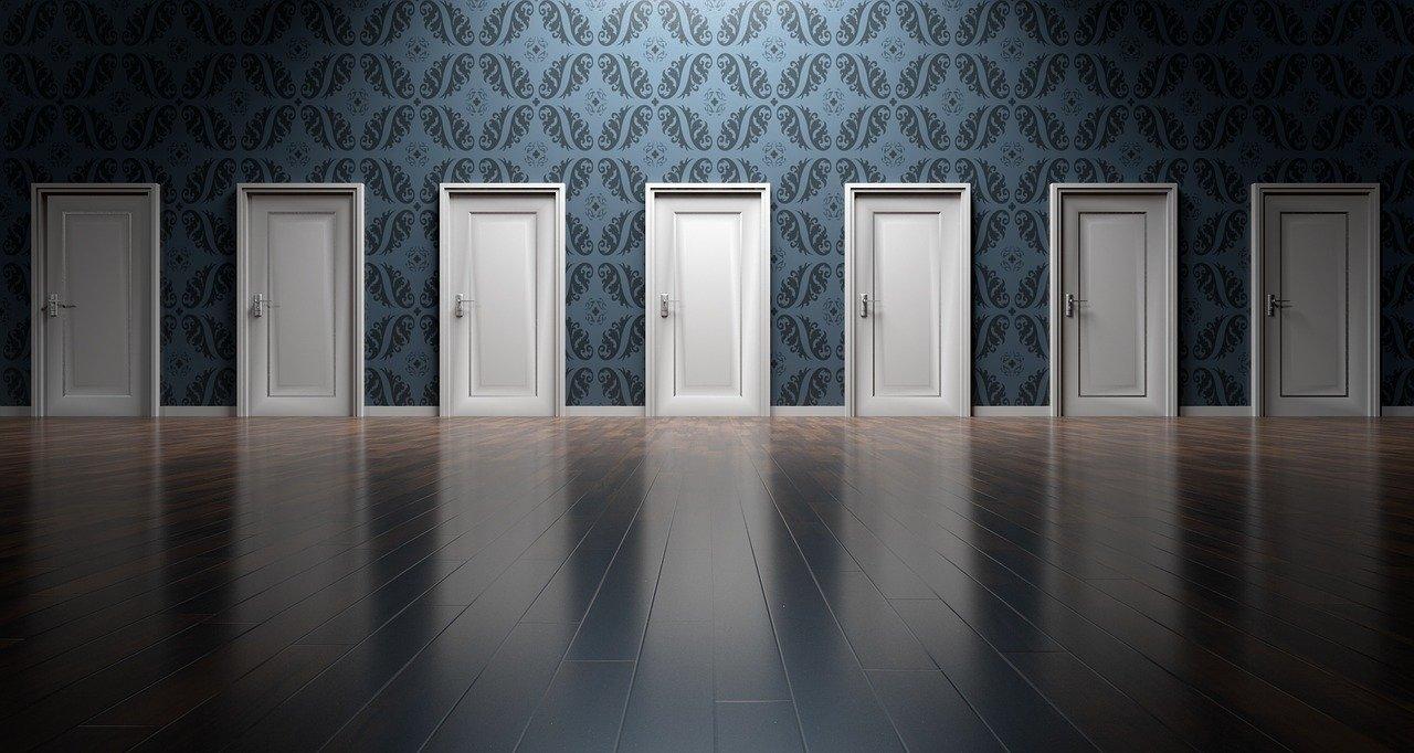 Comment ouvrir une porte avec la serrure cassée?